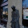 Roosevelt Square - The reader