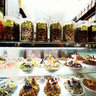 A candy shop on Hang Duong(Sugar Market) Street, Hanoi (Mt ca hng bnh ko  ph Hng ng)