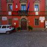 """Roccalbegna-Piazza Marconi """"Palazzo comunale"""" e """"Chiesa SS. Pietro e Paolo"""""""