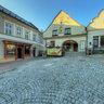Štramberk - na náměstí u pivních lázní