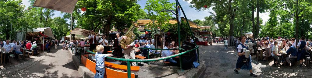 Bergkirchweih - The Franconian street musicians