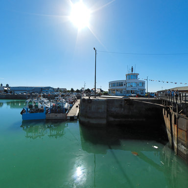 Capitainerie et cluse du port de granville france - Port de cannes capitainerie ...