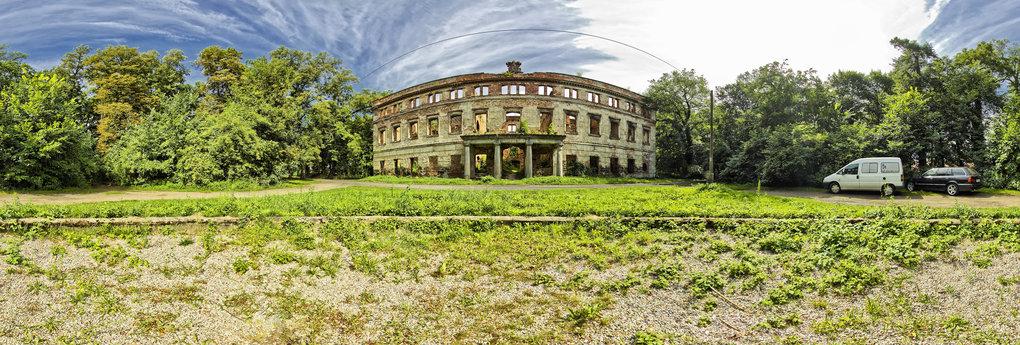 Pałac w Zatoniu